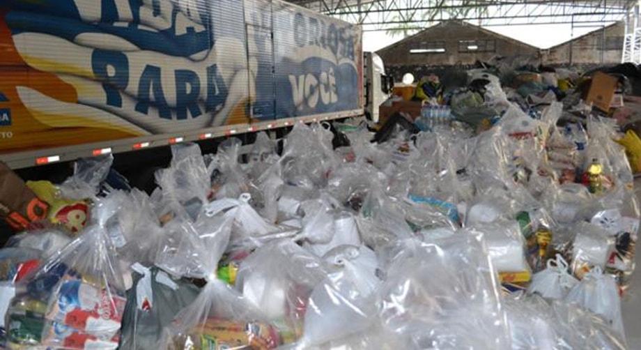 Em parceria com ADVEC, AVEC doa 60 toneladas de donativos a Xerém