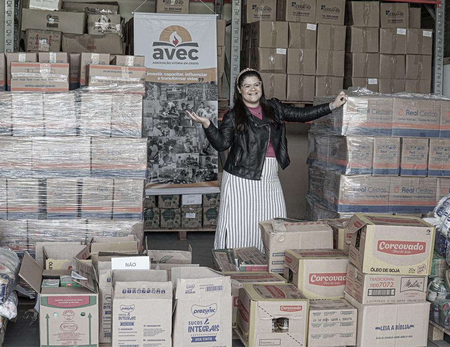 Live solidária da Midian Lima arrecadou mais de 5 toneladas de cestas