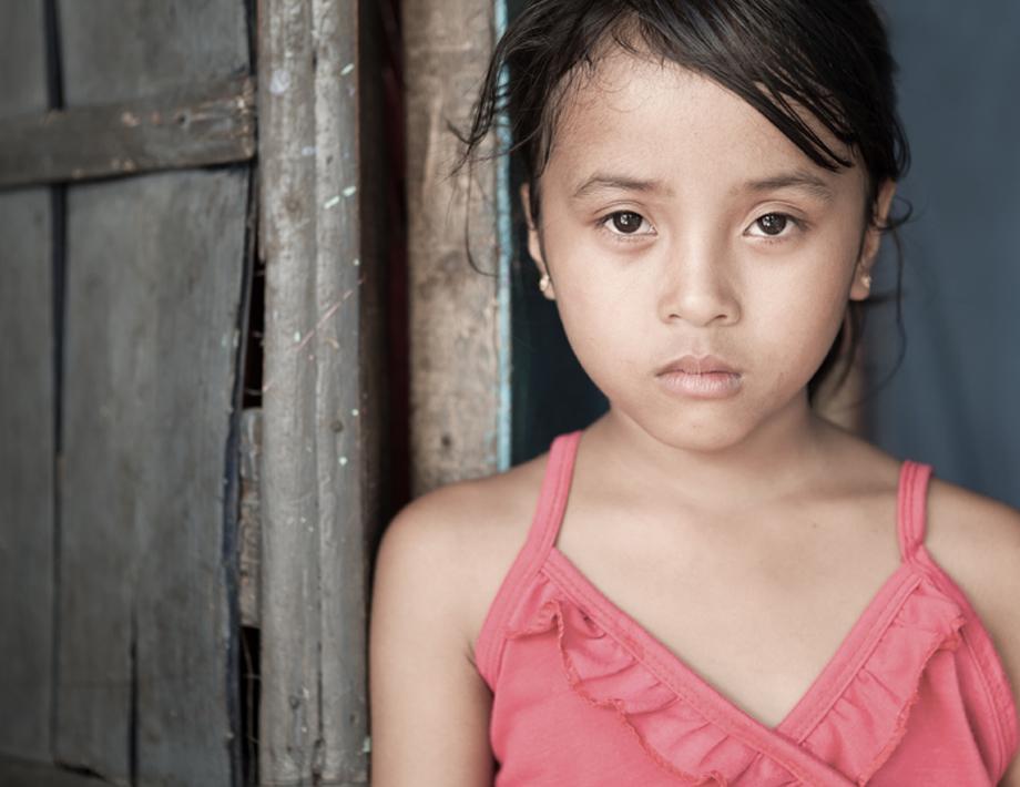 Combata o trabalho infantil. Não corte a infância pela metade