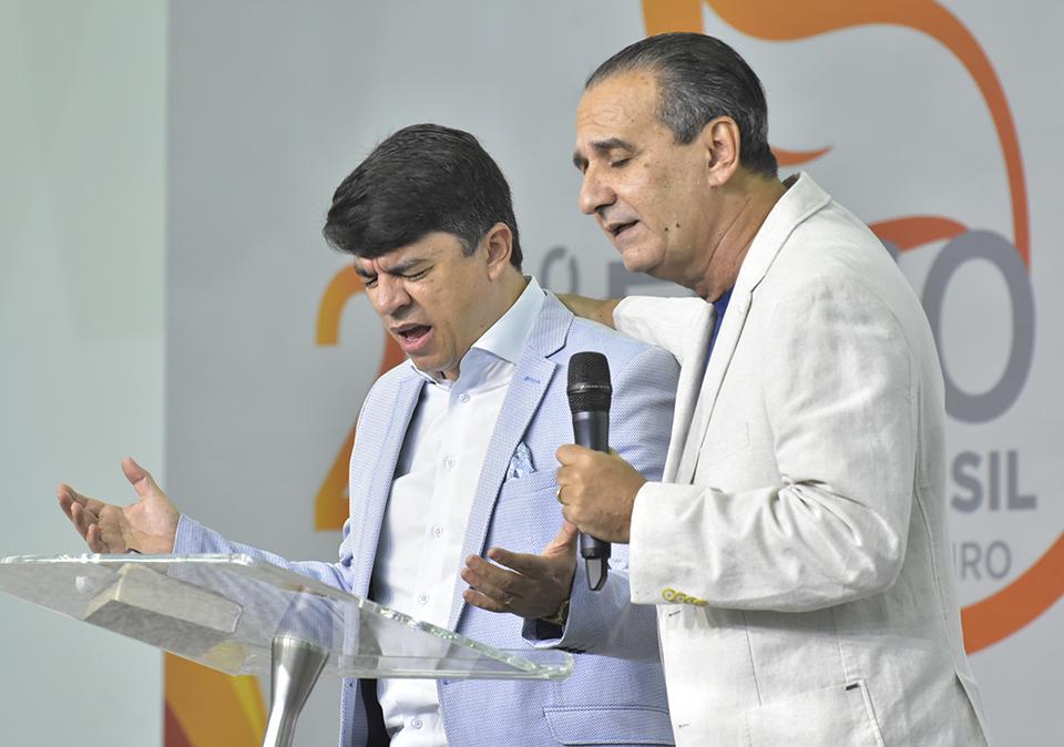 Fogo para o Brasil traz mensagem de renovação espiritual