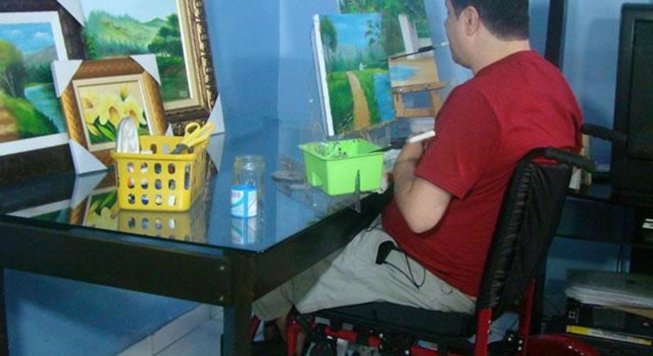 Doação de cadeira de rodas motorizada