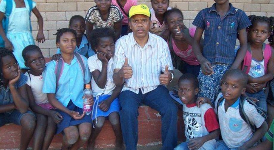Ajuda a missionário na África