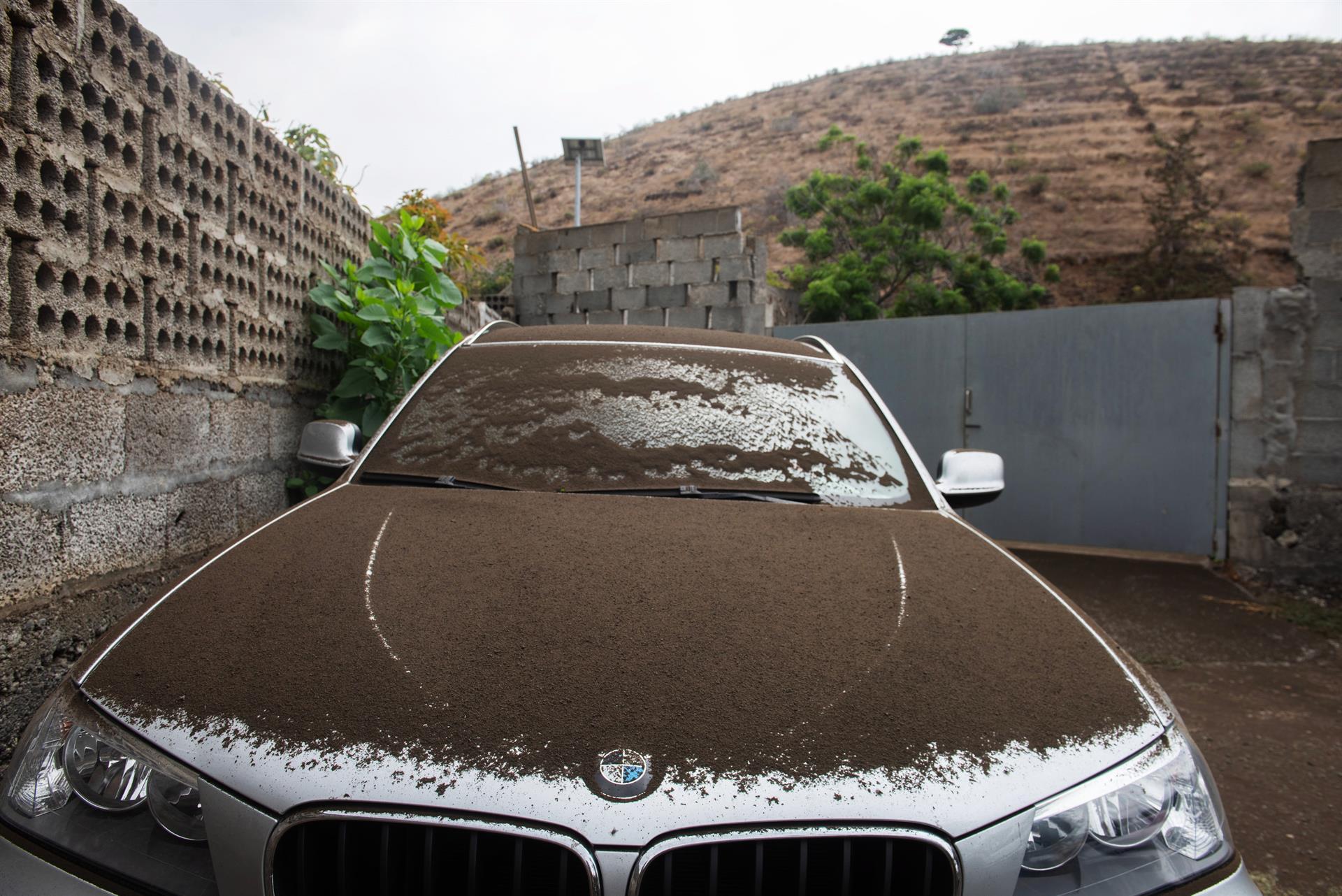 Chuva ácida deve atingir Ilhas Canárias após erupção do vulcão Cumbre Vieja